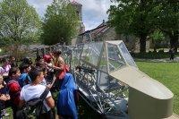 Carcasse de planeur devant le Musée de la Résistance